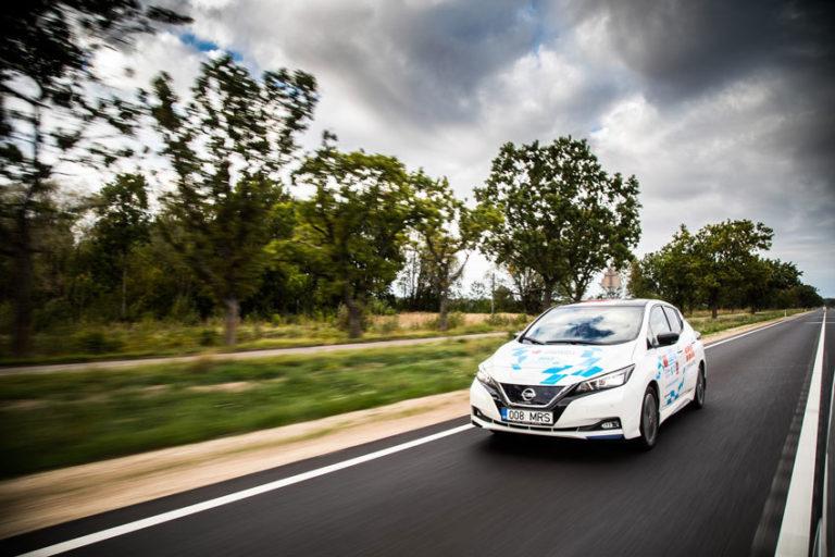 """Το Nissan LEAF """"ηλεκτρίζει"""" τον μαραθώνιο, ανά την Ευρώπη"""
