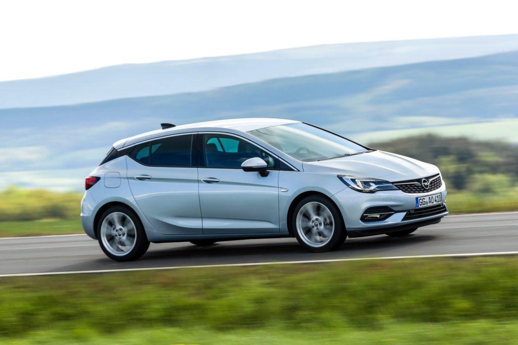 Επενδύσεις και εθελοντικές αποχωρήσεις από την Opel
