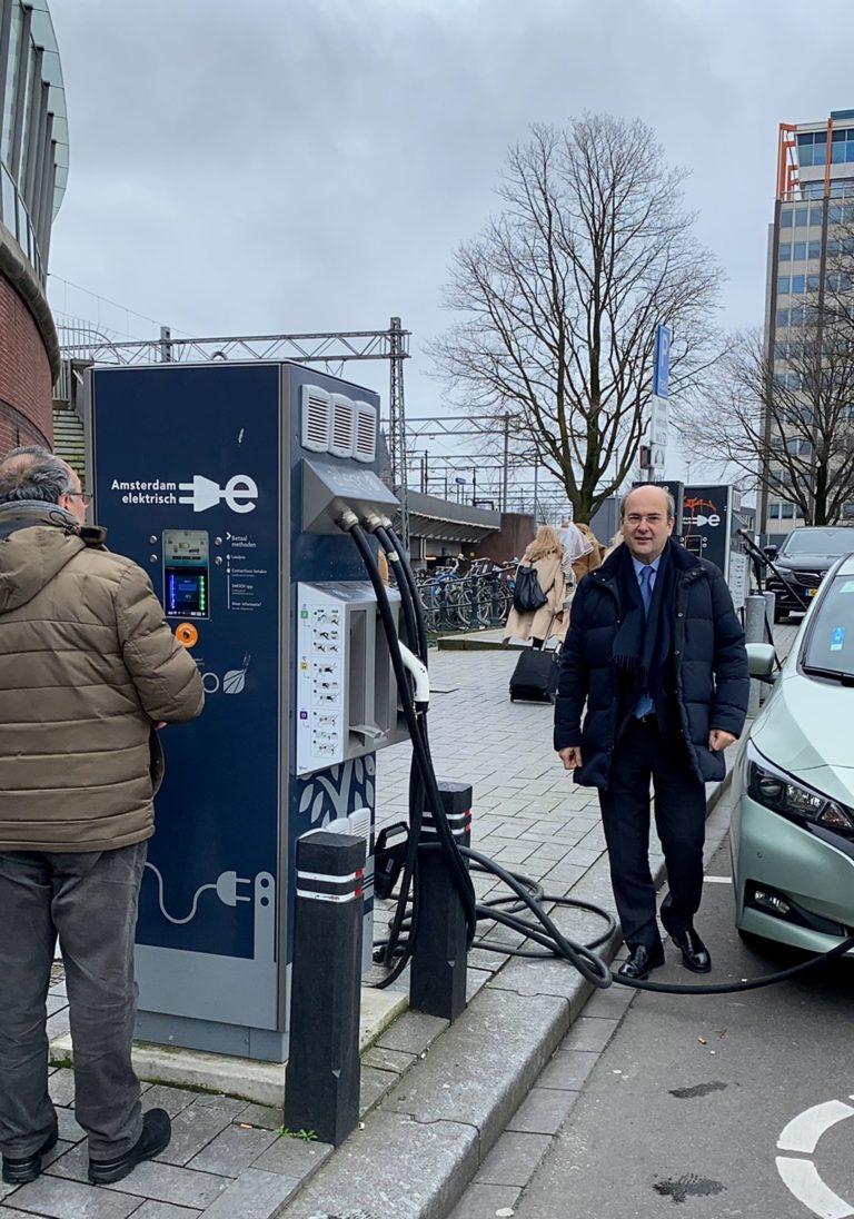 Η Ολλανδία θα συνδράμει την Ελλάδα για την ηλεκτροκίνηση