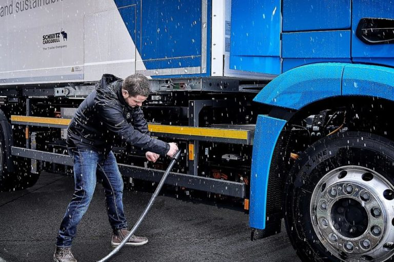 Η στρατηγική επαναφόρτισης για ηλεκτρικά φορτηγά στην ΕΕ