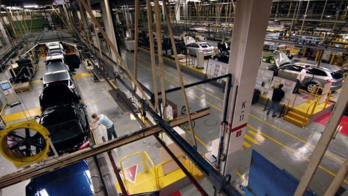 ACEA: Η αυτοκινητοβιομηχανία αντιμετωπίζει πρωτοφανή κρίση
