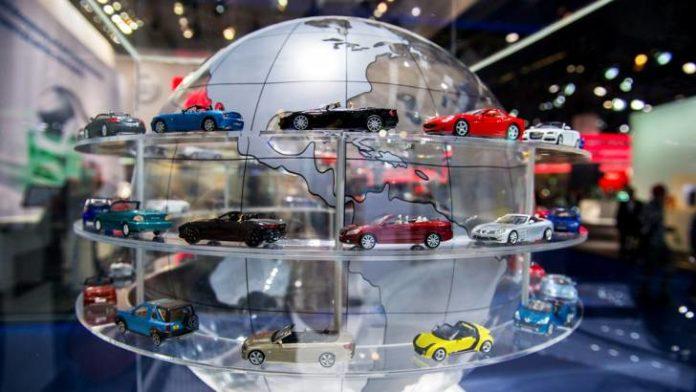 Οι αυτοκινητοβιομηχανίες της ΕΕ ζητούν μακρόπνοη συμφωνία με το ΗΒ