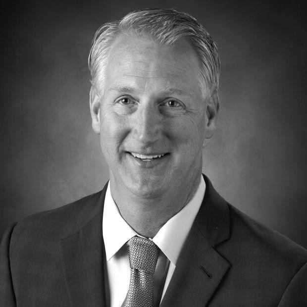 Ο Paul Stone πρόεδρος και CEO της Hertz Global Holdings