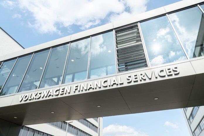 H Volkswagen Financial Services (VFS) αναφέρει σταθερό χαρτοφυλάκιο συμβάσεων