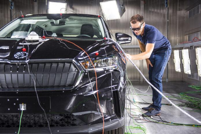 Θάλαμος κλιματολογικών προσομοιώσεων για τα ηλεκτρικά μοντέλα της Škoda