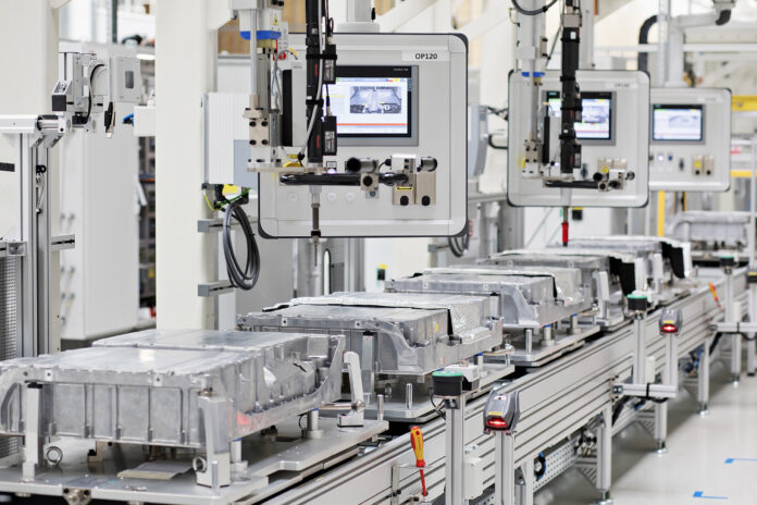 100.000 μπαταρίες για plug-in υβριδικά Škoda