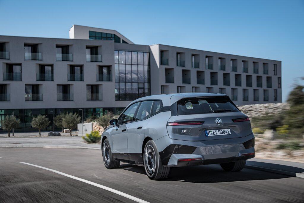 Η BMW iX αναμένεται στην αγορά τον Νοέμβριο