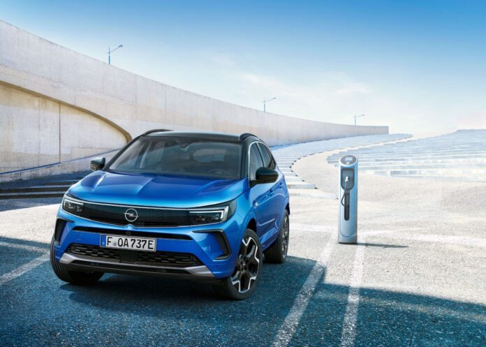 Νέο Opel Grandland, διαθέσιμο για παραγγελία στη Γερμανία