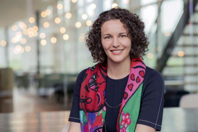 Η Sophie Krishnan CEO της CarNext